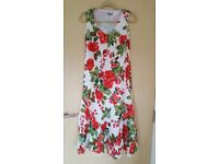 PER UNA WHITE, RED & GREEN FLORAL DRESS - SIZE 10R - BRAND NEW