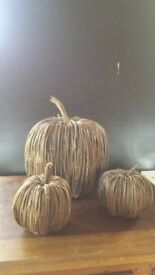 Group of wicker pumpkins approx 30cm (1), 15cm (2)