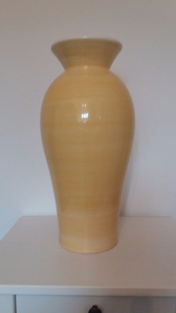 Soldrge Yellow Vase In Southside Glasgow Gumtree