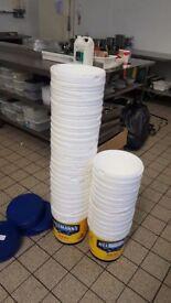 10 litre plastic buckets & lids