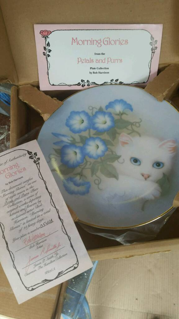 Hamilton cat platesin Colchester, EssexGumtree - Boxed plates. All for £70 or £10 each