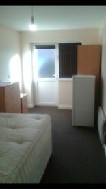 SINGLE/ DOUBLE ROOM TO RENT, FROM £65 PER WEEK ALL INCL, AVAILABLE IMMEDIATLEY, LE5 0JB