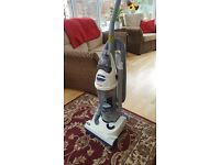 Upright Bagless cleaner