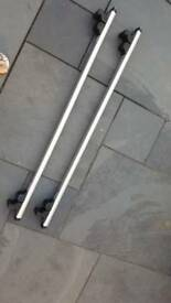 Audi A6 2000 lockable Roof Bars in good condition with keys