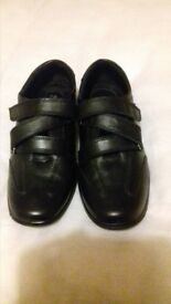 New womens leather shuropody foot health shoes size 6