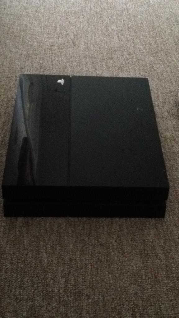 PS4 selling as spares or repairs
