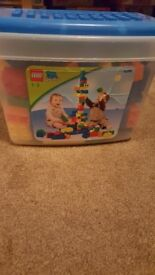 Lego Quatro 1 - 3 year olds play bricks