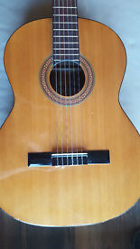 ACOUSTIC GUITAR - 3/4 SIZE WITH CASE AND STAND *BARGAIN*