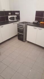 DOUBLE room available NOW in shared house DUDLEY DY2 close to town centre
