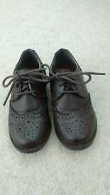 Boys smart brown shoes size 8. Like new.