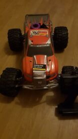 Hpi savage nitro car and gold 22crt 2 pound coin and painting swap for diesel estate or sell