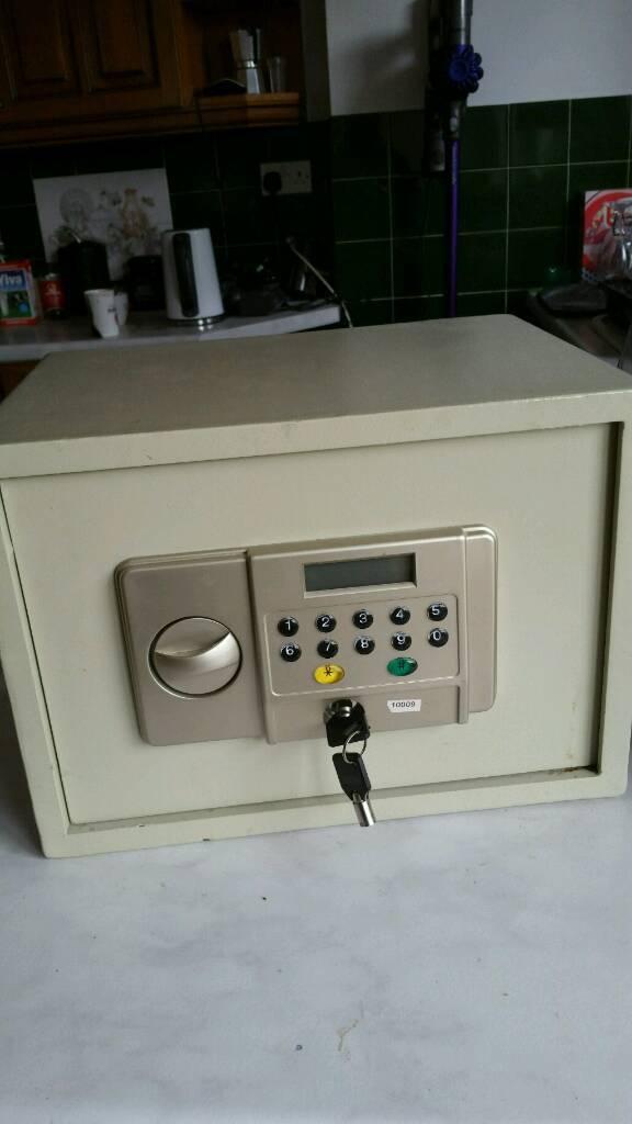 Large heavy safe