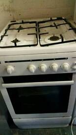 White gass cooker 49 X 87