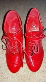 Red heeled shoe size 3