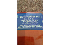 Brand new double quilt cover with 2 pillow cases