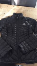 North face insulated black jacket 10/12