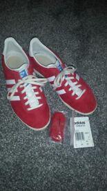 Womens adidas gazelle trainers size 4