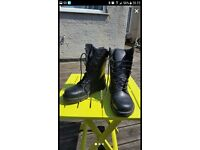 Work safety boots. Black leather. Metal toe caps. Size 5/6. Worn once. Boxed.