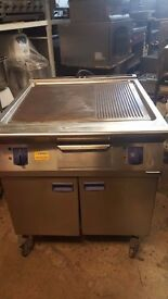 ELECTROLUX FREE STANDING GRIDDLE, FLAT GRILL,HALF RIBBED 3 PHASE