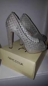 Shimmer heels