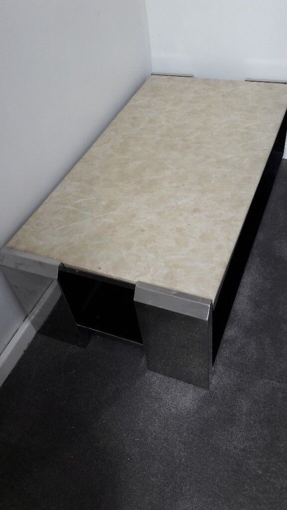 Solid marble coffee table, heavy weight. Good condition,