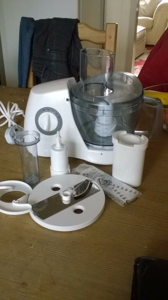 Tesco Food Processor FP11 NEVER USED