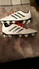 Kids Adidas football boots size 13 barely worn