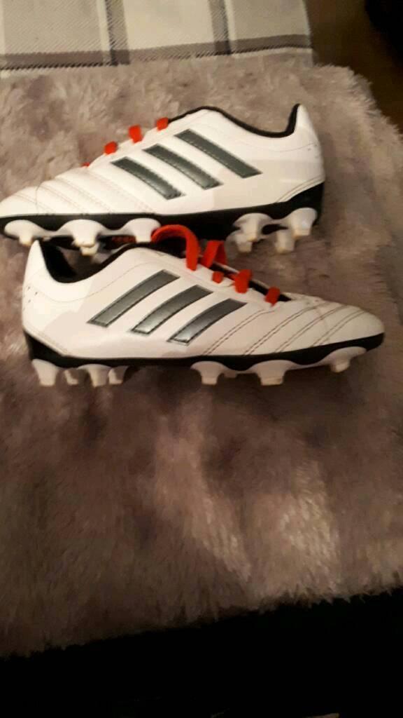 Ragazzi adidas scarpe da calcio dimensioni 13 appena indossato a york, north
