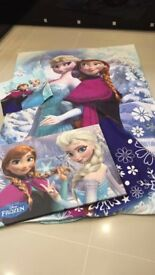 Disney Frozen Kids Anna & Elsa Bedroom Bed Cover, Pillow Case & wall mounted print - Great present!