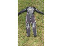 Women's billabong wetsuit size 10