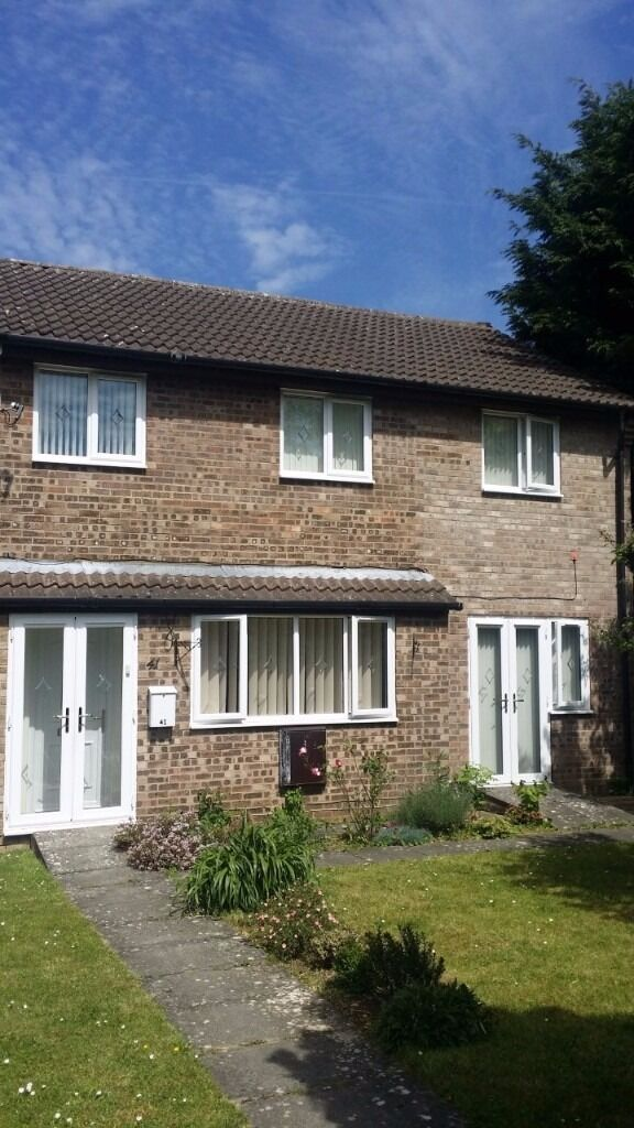 Two double rooms to rent in Bicester House