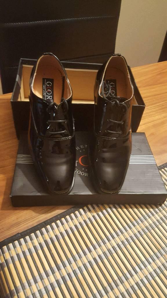 Boys smart patent shoes