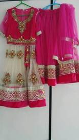 2x Girls stunning asian lengha pink gold with dupatta size 26 and 22