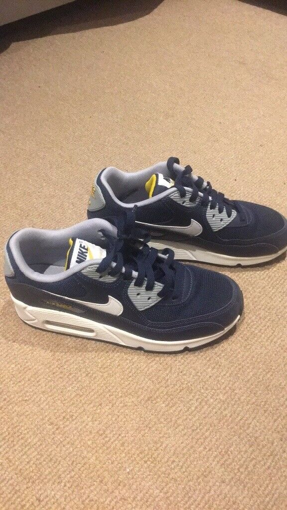 Nike Air Max - Youth Size 5.5