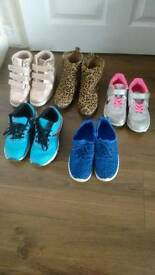 5 Pair of shoes, trainers. Size 2 (EU 34 )