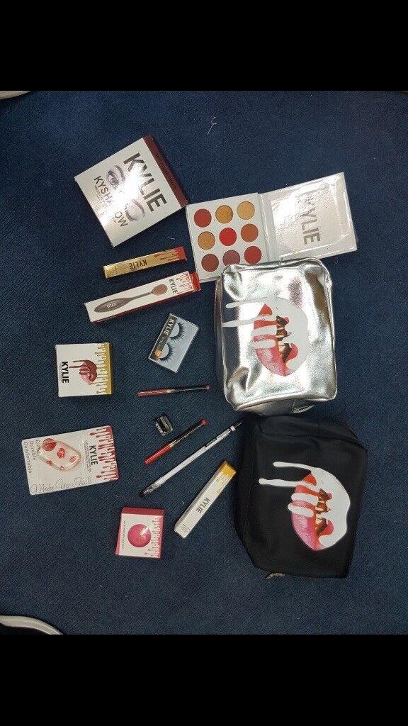 Kylie Cosmetics Medium Gift Set - £25!