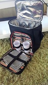 THERMAL COOL BAG BLACK CARRY BAG COMPLETE WITH A PICNIC FOR 2 SET