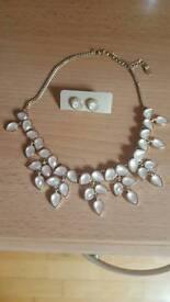 Accessorize jewellery