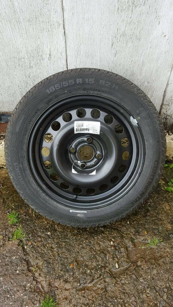 "Vauxhall 15"" 4 stud steel wheel and 185/55r 15 continental tyre as new!! £15!!"