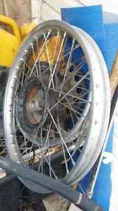 1984 cr 125 forks , rims , triple tree and other parts!