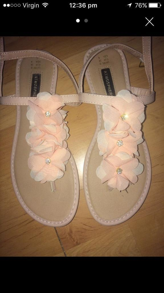 Flowery sandals size 6