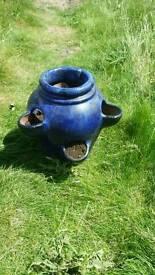 Plant pots x2