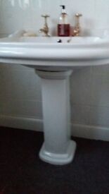 White Pedestal Sink. VGC. Disconnected includes gold taps - ready for collection. Near Wickford Ex