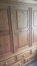 Tripple Pine wardrobe with drawers