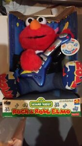 BRAND NEW Rock and Roll Elmo