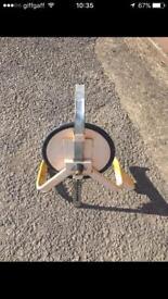 Wheel clamp trailer/caravan