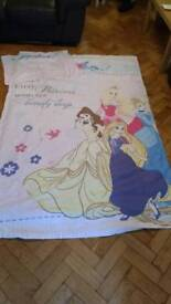 Reversible Disney princess bedding