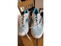 Brand new Reebok easytone trainers size 6