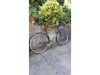 Dawes Super Galaxy Touring Bicycle 1983 25 inch 531 frame , Paniers 13/21 block, in good condition