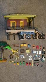 Playmobil wildlife station / safari set